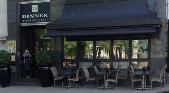 Dinner Bar & Restaurant: Dinner Restaurant with outdoor seating in summer
