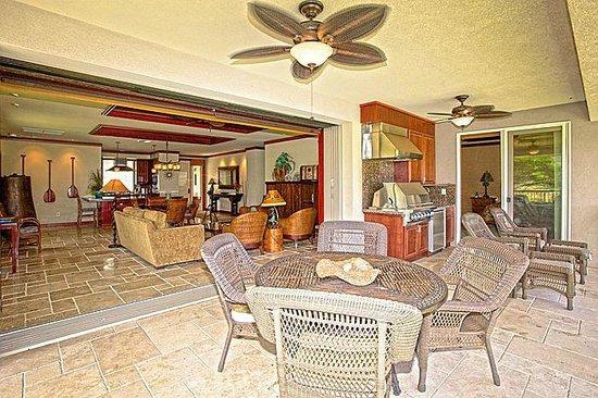 Wai'ula'ula at Mauna Kea Resort : indoor-outdoor living