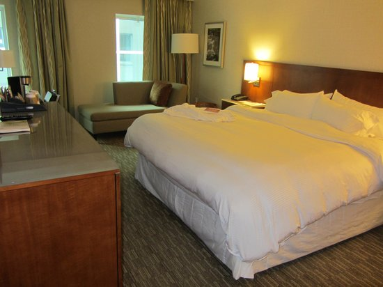 The Westin Minneapolis: Heavenly king bed