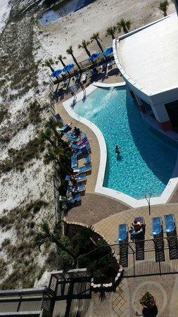 Hampton Inn & Suites Orange Beach: Room 608 View of pool