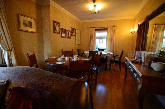 Viewmount: Dining Room