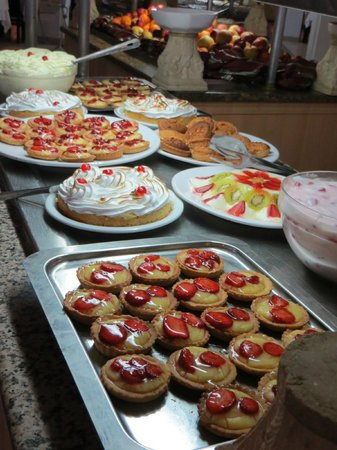 Club Marmara Narjess: Un des buffets de desserts