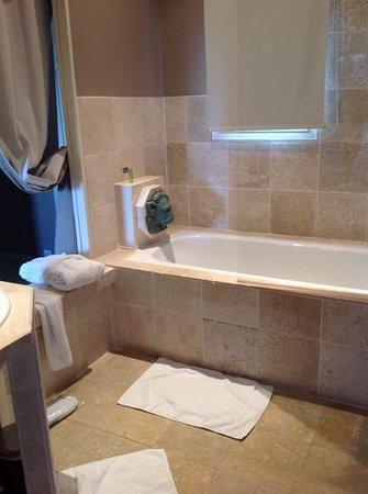 Hotel La Vigne de Ramatuelle : la salle de bain