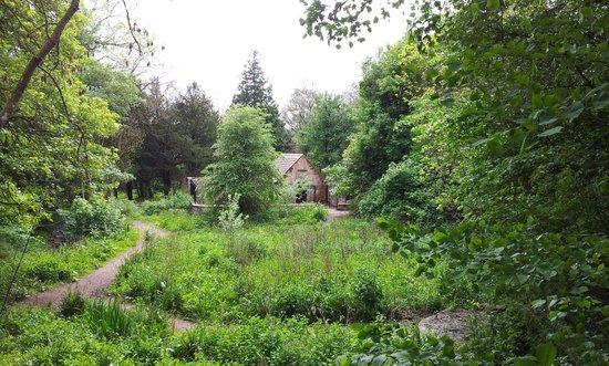 Dalzell House: Mausoleum