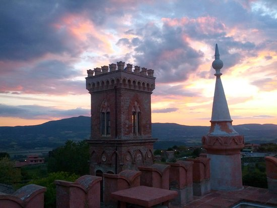 Relais Castelluccio Palusse: il tramonto dalla Torre