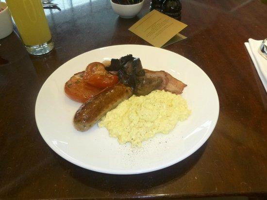 Gordon Ramsay Plane Food Restaurant: Cooked breakfast