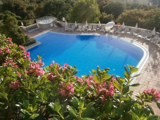 Hotel Fuerte Grazalema : View at the pool from above