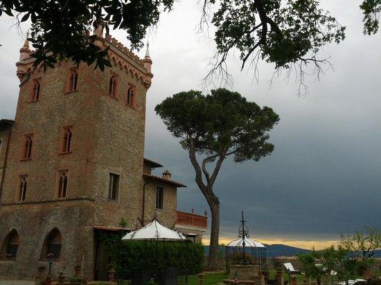 Relais Castelluccio Palusse: parte del giardino sul retro