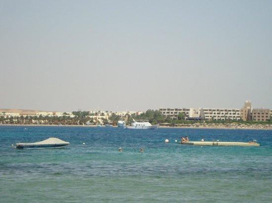 Cleopatra Luxury Resort Makadi Bay: Вид с пирса