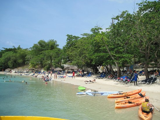 Grand Palladium Lady Hamilton Resort & Spa: Beach