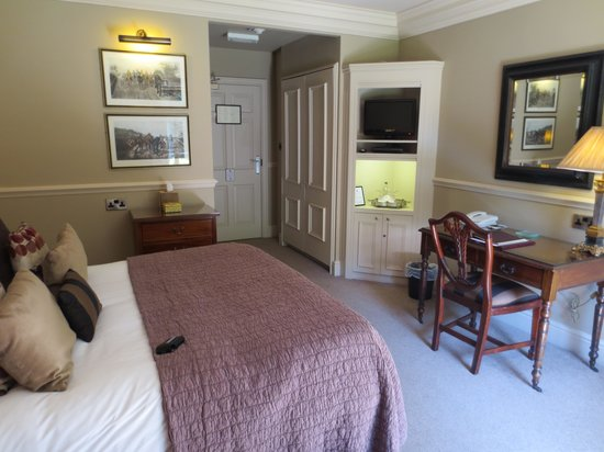 Whitley Hall Hotel: Our room!
