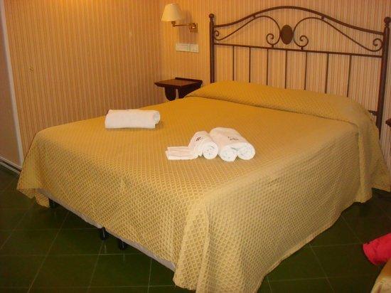 Hotel Scapolatiello : camera tripla