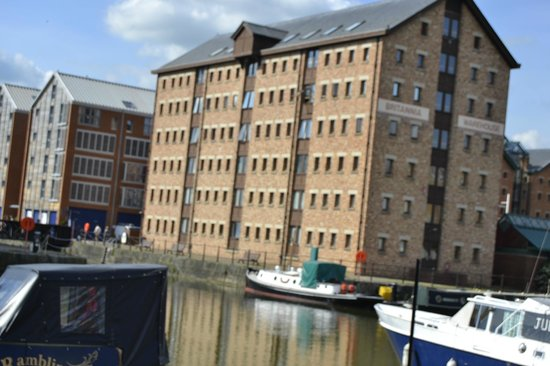 Travelodge Gloucester: Gloucester Quays - great of an evening