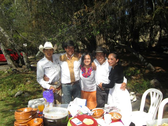 Las Cascadas Resort: STAFF