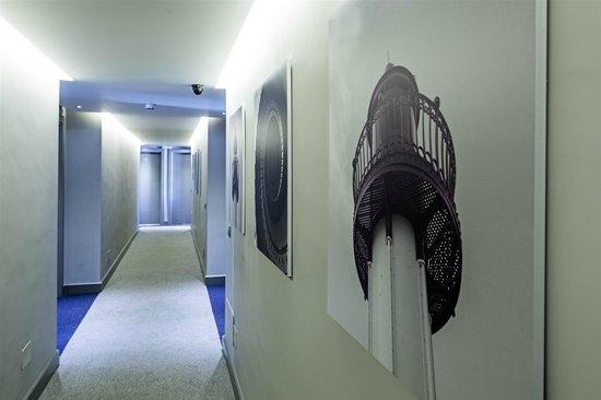Hotel Apartamentos El Faro: Pasillo