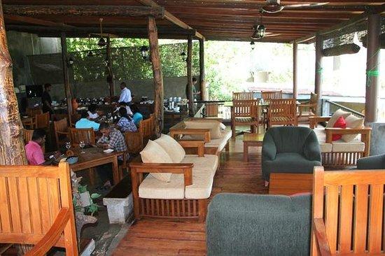 Kalu's Hideaway: Dining area