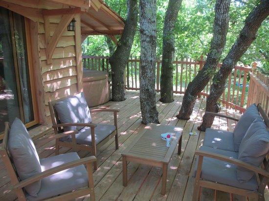 Lo Rey du Lac: terrasse et son spa privatif