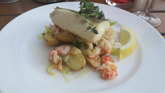 Celsius: cod with shrimps and leek