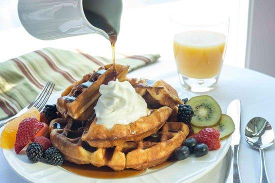 8 Dyer Hotel: Pancakes for breakfast