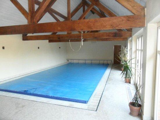 Merton Grounds: swimming pool