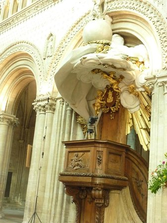 Notre Dame Cathedral: The pulpit