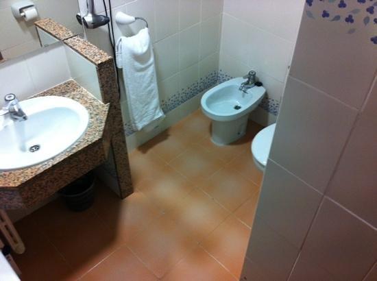 Hotel Marinada: cuarto de baño