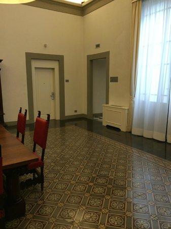 NH Collection Firenze Porta Rossa : Espacio común del piso