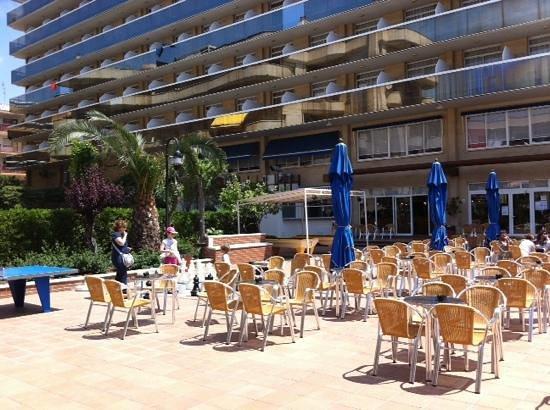 Hotel Marinada: terraza exterior