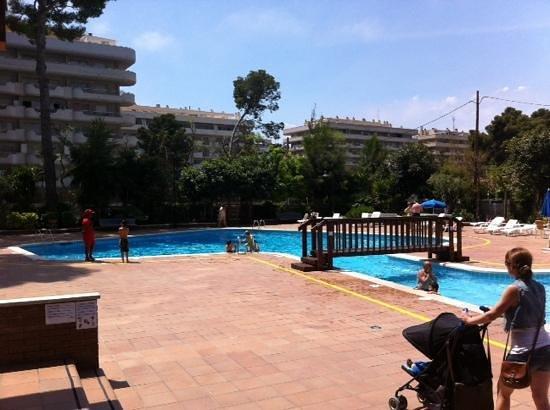 Hotel Marinada: piscina