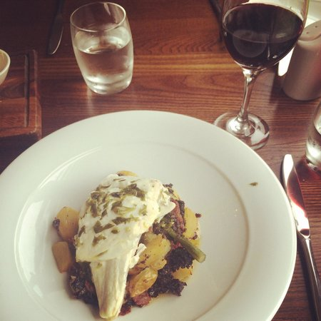 Whitehills, UK: Halibut, chorizo and black pudding, washed down with a Shiraz.... Absolutely delicious!!