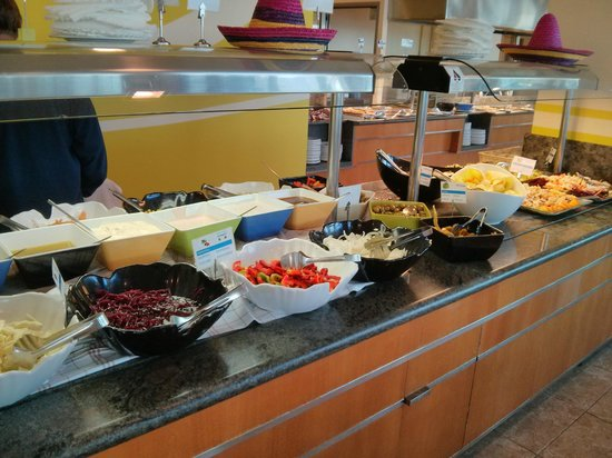 Hotel & Spa Ferrer Concord: Buffet abends