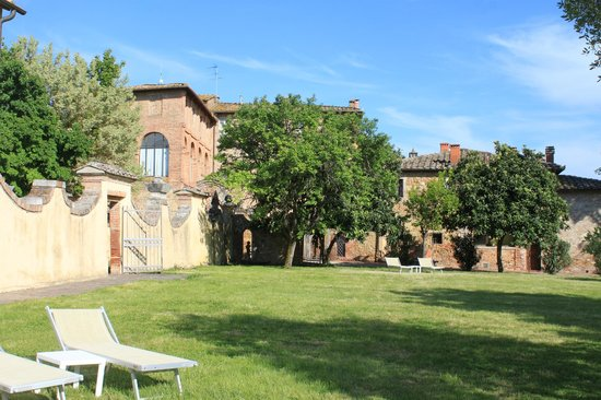 San Lorenzo a Linari : Public area - garden
