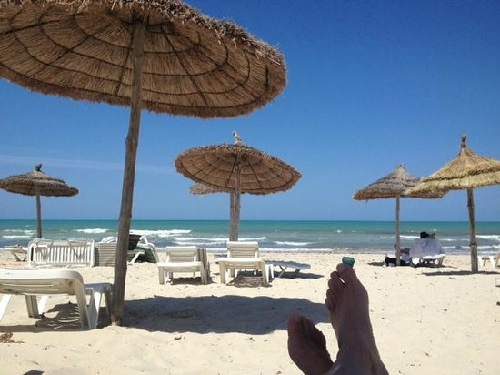 Djerba Plaza Hotel & Spa : Plage (en début d'après-midi)
