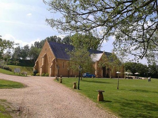 Haselbury Mill: The Tithe Barn - set up for a wedding - Beautiful