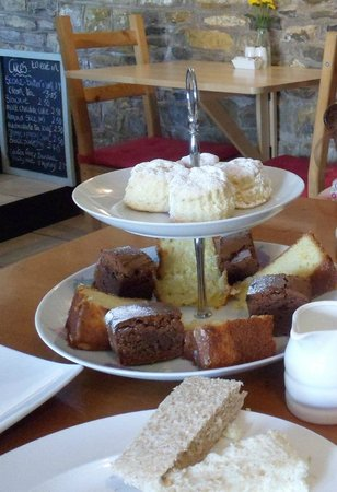 The Old Dairy Farm Shop & Coffee Barn: Afternoon Tea