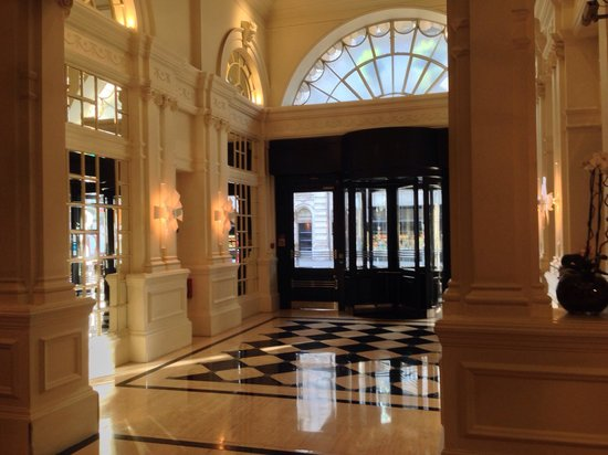 Le Meridien Piccadilly: Main lobby