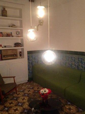 Retrome Barcelona: Sitting Area