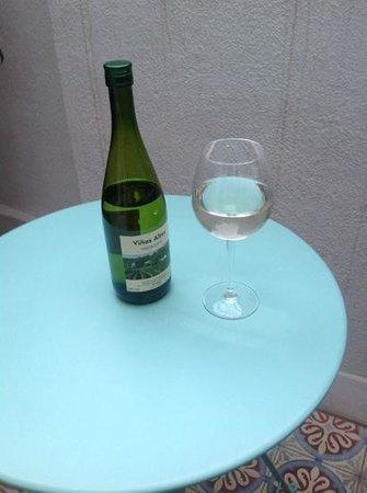 Retrome Barcelona: Wine on the terrace!