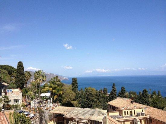 Parc Hotel Ariston & Palazzo Santa Caterina: View from the room, toward Calabria