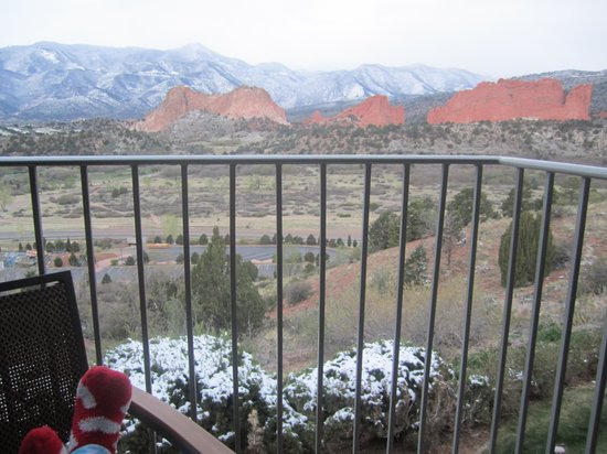 Garden of the Gods Club and Resort: Relaxing on the balcony with coffee...