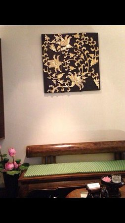 Kenika Thai Massage : Waiting area where they would serve you refreshment after the relaxing treatment