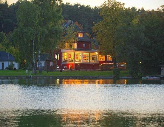 Wirtshaus am See: Ob für einen romantischen Abend zu zweit, Familienfeiern oder Geschäftsessen,