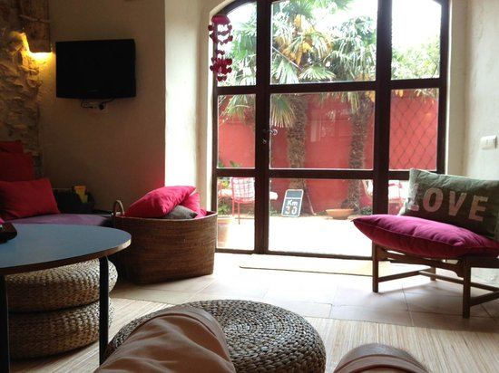 Aiguaclara Hotel : Patio de la zona de lectura