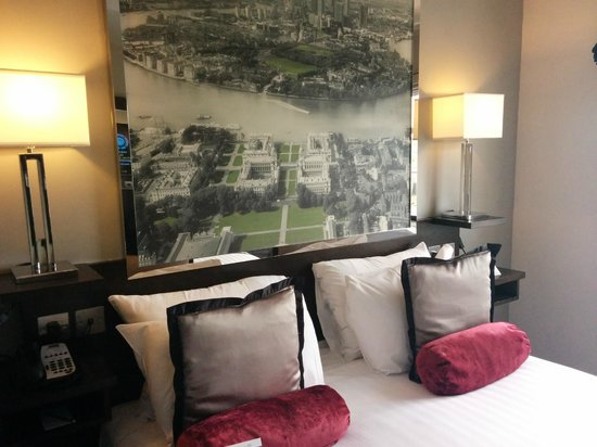 DoubleTree by Hilton London Greenwich: Chambre 503
