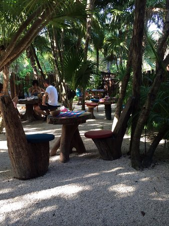 Il Barino Tulum Juice & Co: Good juices - grumpy owner!