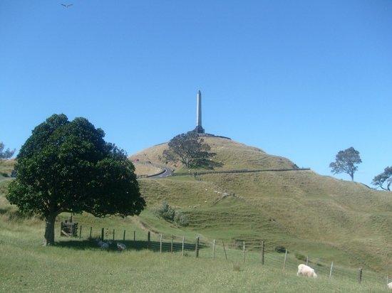 One Tree Hill (Maungakiekie): One Tree Hill
