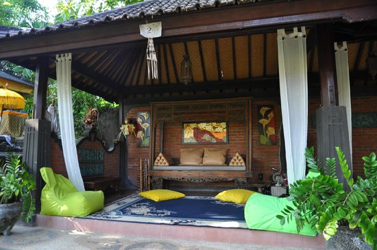 Rambutan Boutique Hotel : Shady relaxing pods in the grounds