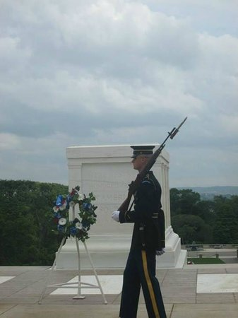 DC by Foot: Guard at the tomb of the unknown soldier