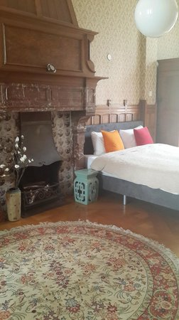 Tulipa Bed & Breakfast : one of the bedrooms in our aopartment on the ground floor