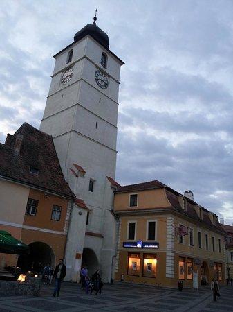 torre e albergo attaccato